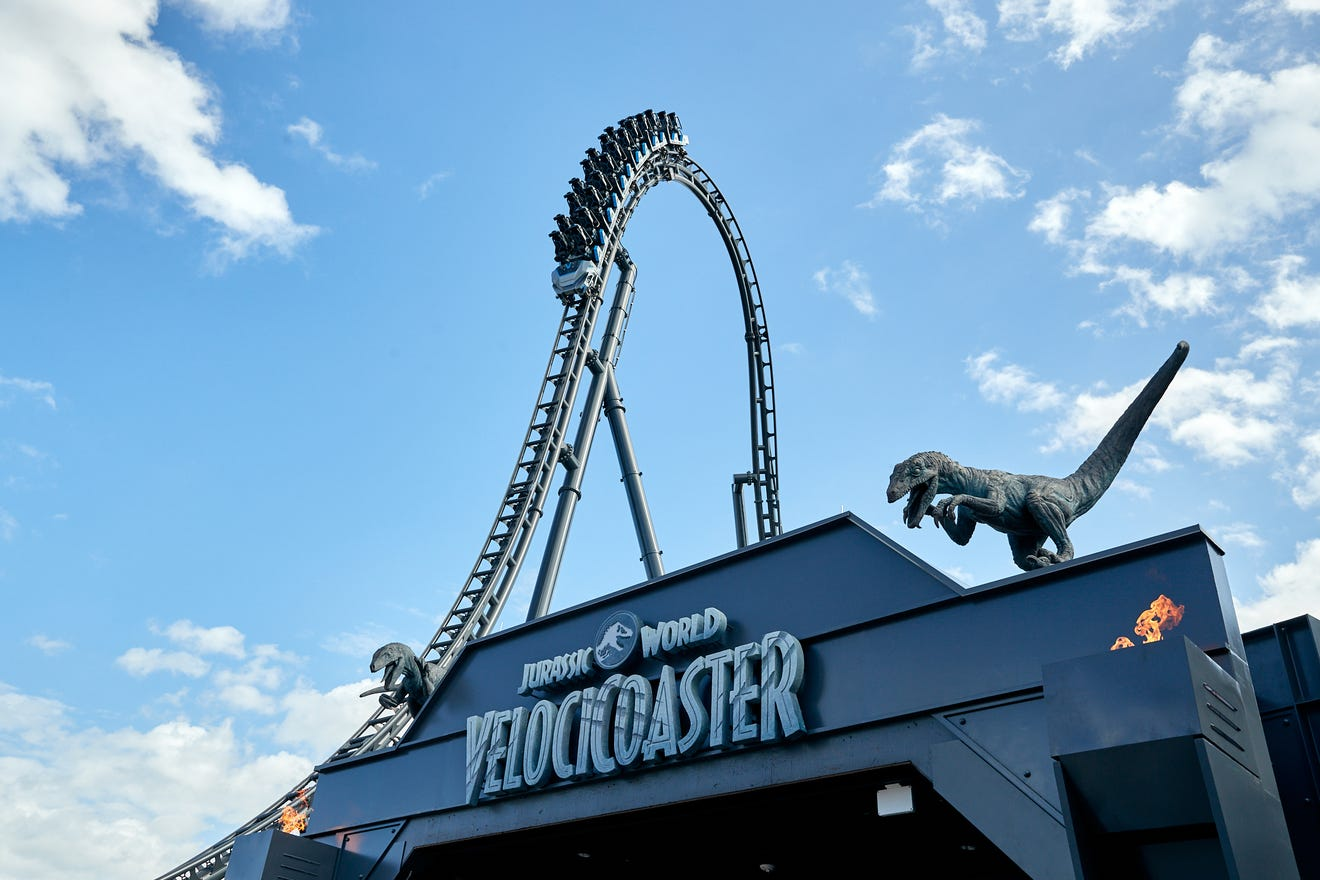 Universal Orlando to release dinosaurs and VelociCoaster